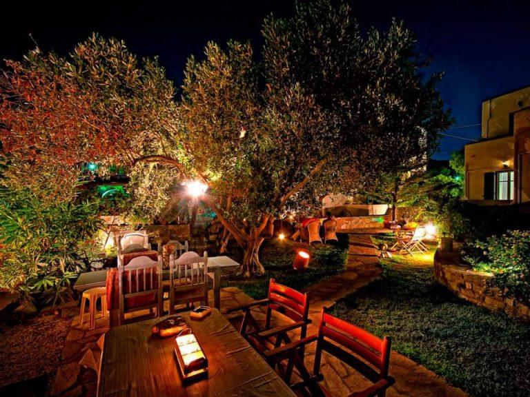 Guesthouse Perdikouli Garden - Ξενώνας Περδικούλη
